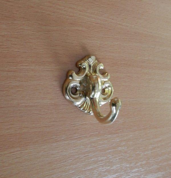 Kicsi arany egyágú fogas M177