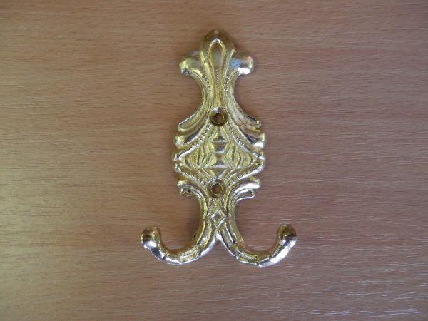 Közepes arany kétágú fogas M183