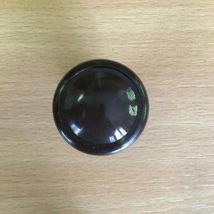 Műanyag betétes fogantyú gomb három színben G001