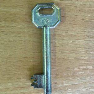M 340 dose nyers balos 12-es kulcs