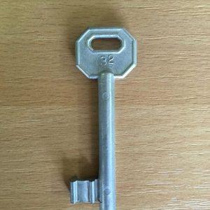 M 340 lővér nyers 32-es kulcs