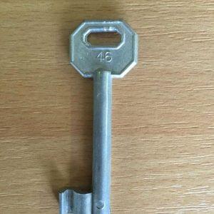 M 340 lővér nyers 46-os kulcs