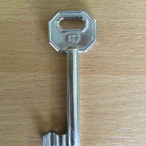 M 340 lővér nyers 60-as kulcs