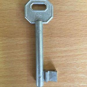 M 340 lővér nyers 68-as kulcs