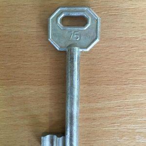 M 340 lővér nyers 75-ös kulcs