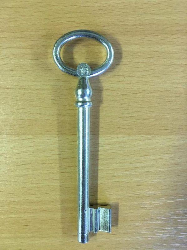 M 355 Kertkapu kulcs 18-as