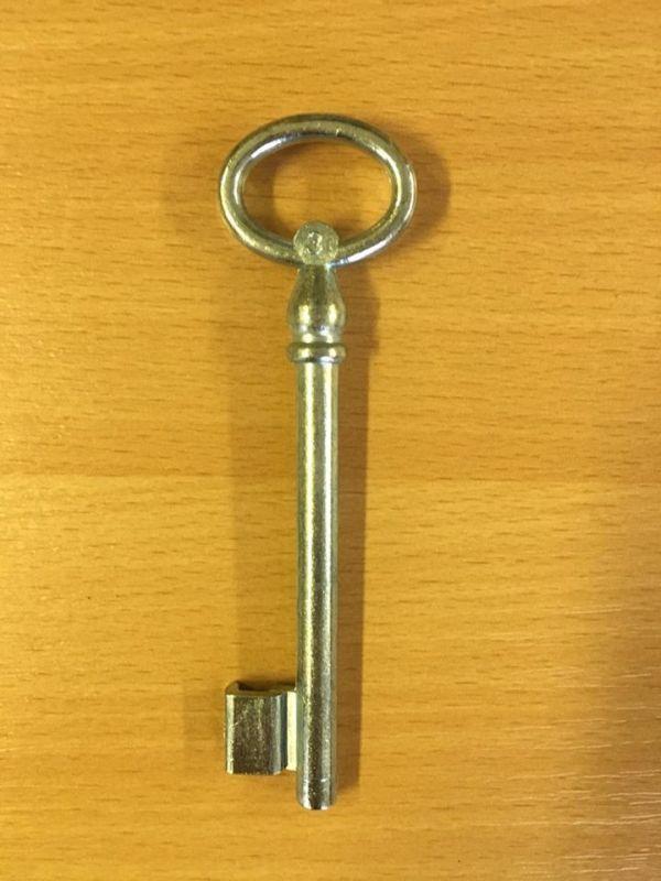 M 355 Kertkapu kulcs 3-as